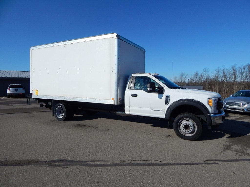 Pre-Owned 2017 Ford F-550SD XL