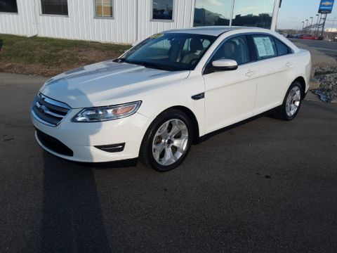 Pre-Owned 2010 Ford Taurus SEL