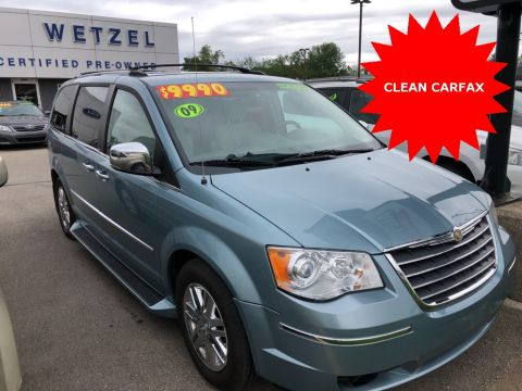 Pre-Owned 2009 Chrysler Town & Country Limited
